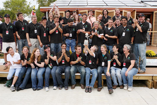 photo of 2007 Solar Decathlon, 2nd-place winning LEAFHouse team: Al Santos